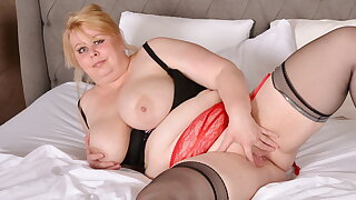 Mature BBW Adriana strips increased by fingers