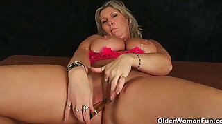 Mature women with natural big tits