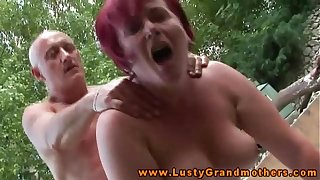 Amateur mature granny gets pussyfucked