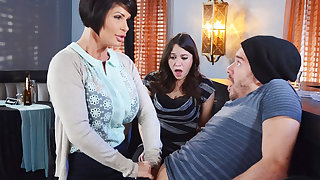 Horny mom make a gift to her soaked pussy