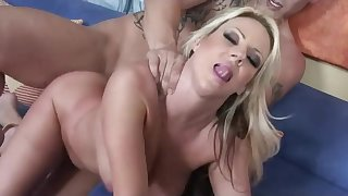 Hooker Mommy Tries Meaningless Orgasm Apart from Stepson
