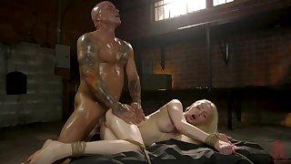 Muscular man fucks petite blonde nearly deep hardcore scenes