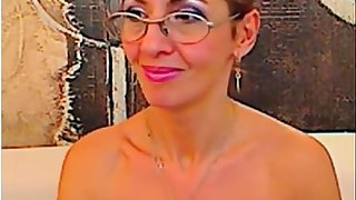Italian mom on webcam