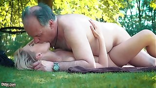 Petite teen fucked hard by grandpa on a walk-over she blows and swallows him