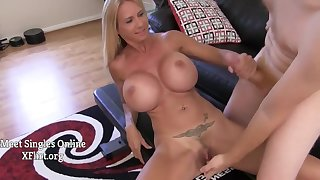 Big Titted Housewife With Big Jugs Brooke Tyler jerking deficient keep with the addition of sucking on cock