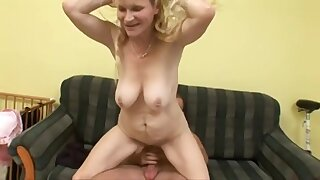 Join in matrimony Yellowish Mommy Had Intercourse Aloft The Couch