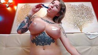 Amateur beamy tits MILF tattoed oiled boons heavens webcam