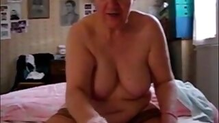 Very old granny handjob and cumshot