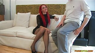Redhead slut Cleo Summers spreads the brush legs to ride his fast dick
