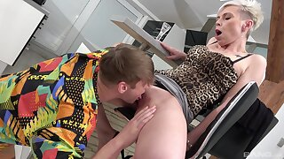 Mature feels perfect inches of step son's cock ramming her hard