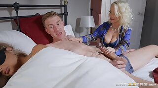 Petite Princess Eve does the horrific with her hung son-in-law