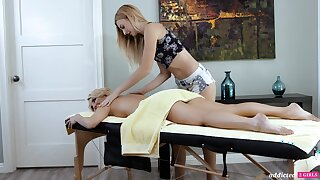 A hot MILF experiences an rhapsodic massage and that sultry woman is so sweet