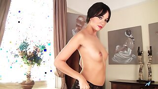 Solo cougar Tracy Rose moans while fingering the brush adorable pussy